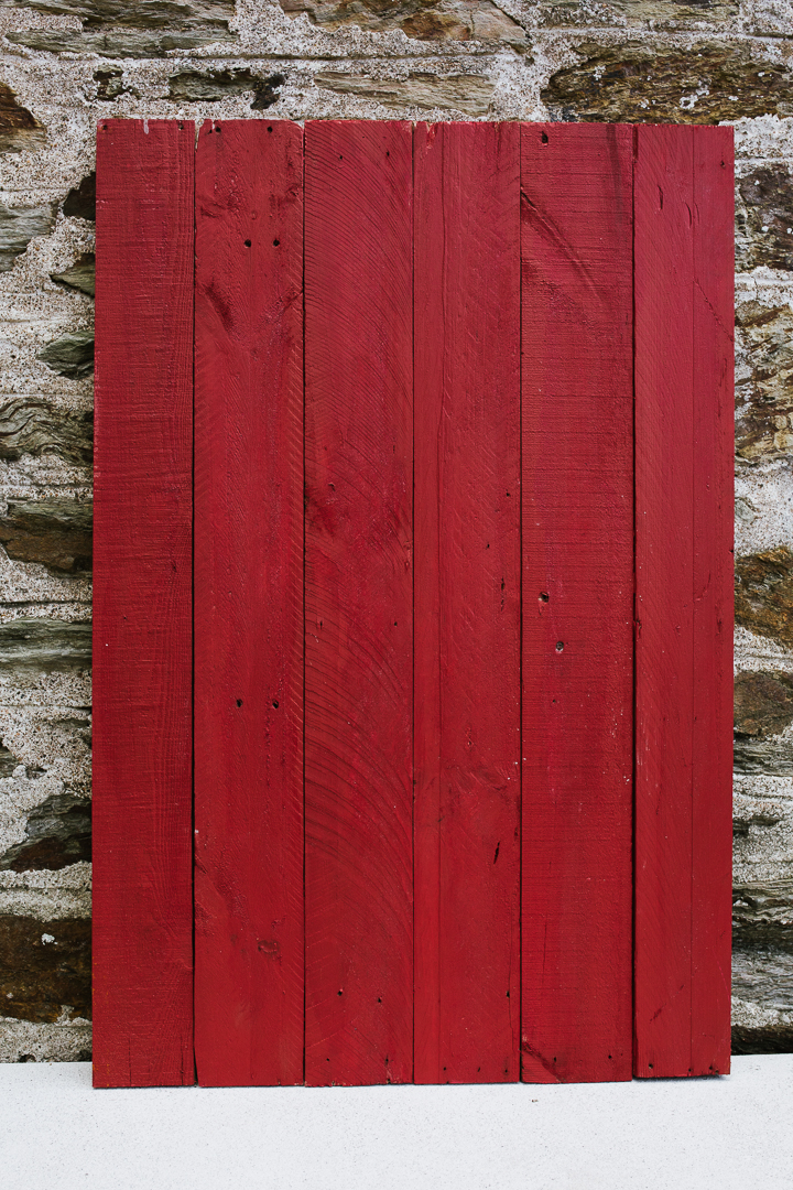 PLANKED RUSTIC RED